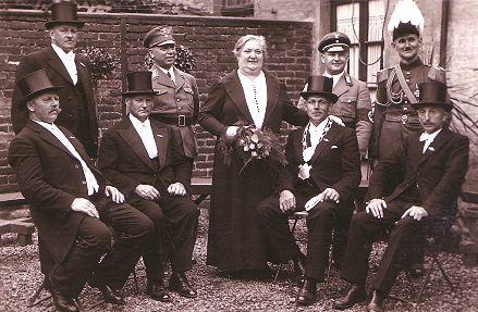 1937 S.M. Ferdinand I. und Königin Luise Hages