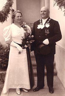 1938 S.M. Heinrich I. und Königin Maria Schiffer