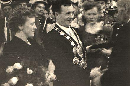 1953/54 S.M. Karl I. und Königin Edith Stübben